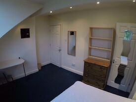 Large Furnished bedroom with WIFI and bills included