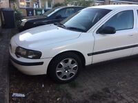Wanted Volvo v70s