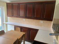 4 bedroom house in Kempe Road, Enfield, EN1 (4 bed) (#1075010)