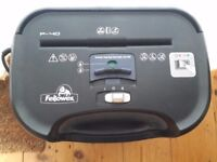 Fellowes P40 Shredder - £10