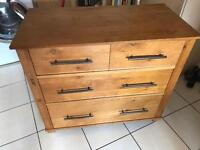 Beautiful solid oak chest of drawers