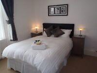 En suit double room close to Torquay sea front.