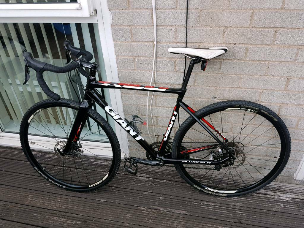 Giant tcx slr 2in FalkirkGumtree - Giant tcx slr bike excellent condition just over a year old cost £1200 new. Selling due to lack of use