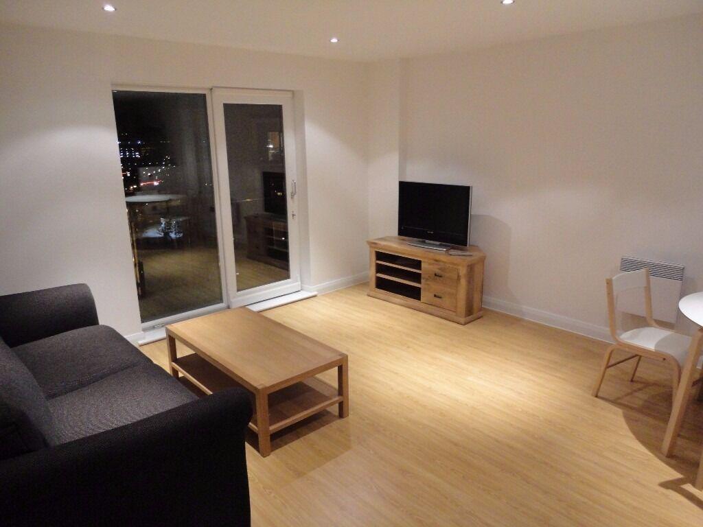 2 Bedroom Bath Apartment 10th Floor Xq7 Salford Quays In Trafford Manchester Gumtree