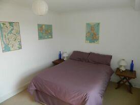 GET IT! DOUBLE bedroom with EN SUITE bathroom, STRATFORD