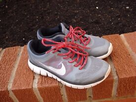 Nike Free Run Trainers Size 5 Grey   Red   White