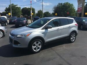 2013 FORD ESCAPE SE 4X4- FOUR WHEEL DRIVE, ALLOY WHEELS, BLUETOO
