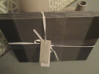 LOVELY MODERN REVERSIBLE GREY/SILVER BRAND NEW FAUX LEATHER PLACE MATS X4 - FROM BHS