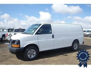 2015 GMC Savana Cargo Van Rear Wheel Drive - 32,138 KMs, 4.8L V8