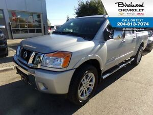 2015 Nissan Titan SL   CREW 4X4 LEATHER/SUNROOF/NAV