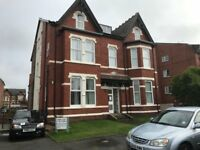 To Let - 2 bed ground floor flat in Southport
