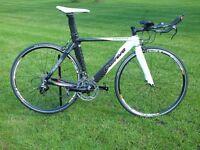 Carrera Virago TT time trial / Triathlon bike Full carbon fibre frame and fork SRAM Rival. Medium
