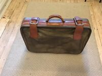 Large Brown Old Fashioned Suitcase with 2 wheels