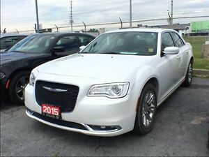 2015 Chrysler 300 TOURING**LEATHER**SUNROOF**NAV**BACK UP CAM**