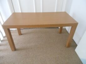 Lovely mid brown MDF coffee table square legs large top matches all decor RRP£45