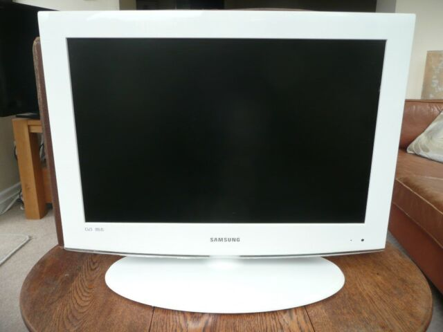 Samsung 22 inch TV Freeview  White  Model LE22A455C1D | in Huddersfield,  West Yorkshire | Gumtree