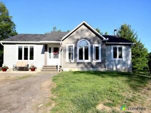 $349,500 - Bungalow for sale in White Lake