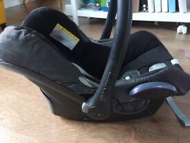 Maxi Cosi Car Seat with Easy base