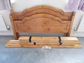 Double bed frame - Antique pine wooden slats - dismantled - Excellent condition