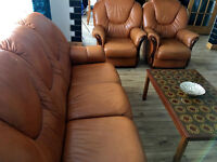 Nice & Comfortable Light Tan Italian Leather 3 Piece Suite with deep cushions