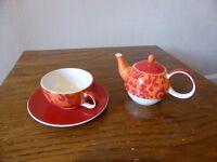 Teapot, cup n saucer