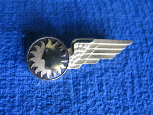 National Airlines vintage Sun Face with Wing Gold Pin in excellent condition!