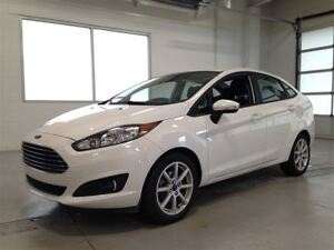 2014 Ford Fiesta SE| BLUETOOTH| SUNROOF| SYNC| A/C| 14,632KMS Kitchener / Waterloo Kitchener Area image 3