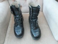 BLACK ARMY BOOTS - UK SIZE 7 S
