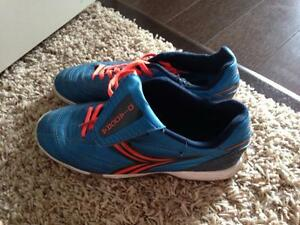 Size 5 Diadora indoor soccer cleats