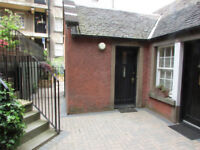 Grassmarket, Cottage like Studio flat in garden setting. Ideal central location