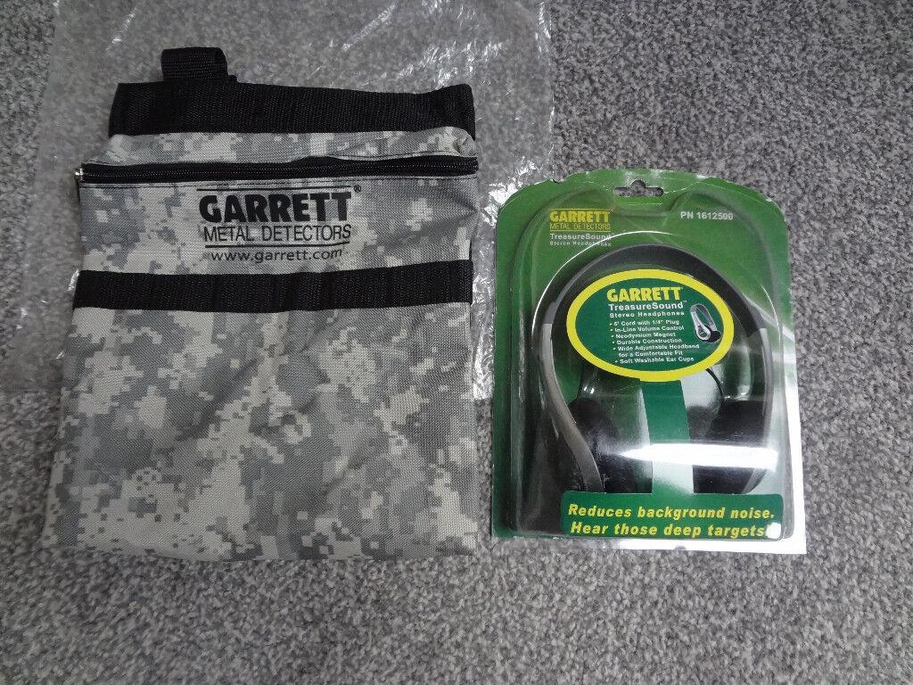 Garrett treasure sound headphones and camo finds pouch