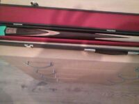 two piece snooker cue & case. make the statemans snooker. in lovely condition.