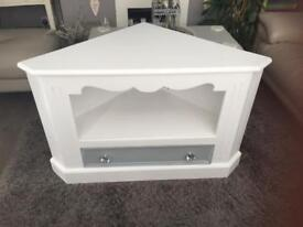 lovely shabby chic tv stand/unit/cabinet