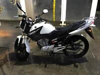 Yamaha ybr 125. 2015 model. Delivery available