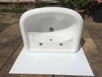 Round Bathroom Sinks and Pedestals