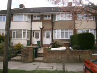 3 Bedroom Terraced House II Somerset Avenue, Luton, RoundGreen Area LU2