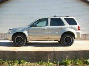 2005 Ford Escape LIMITED 4X4 AUTOMATIC