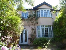 Double room in 1930's house in a quiet, attractive crescent in North Oxford