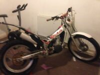Selling bike due 2 no time to use it