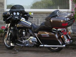 2013 harley-davidson Electra Glide Ultra Limited   ONLY 1 Owner  London Ontario image 3