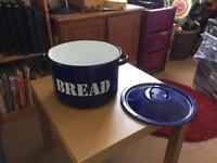 Classic Bread Bin