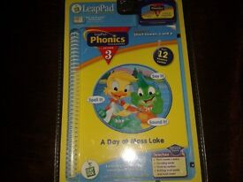 Leappad interactive book and cartridge