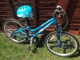 Girls/Childs Bike - Ridgeback Destiny MTB inc. Free helmet