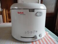 Tefal Maxifry Deep Fryer automatic opening adjustable thermastat 1 kg capacity