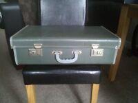 Vintage 1940's/1950's suitcase