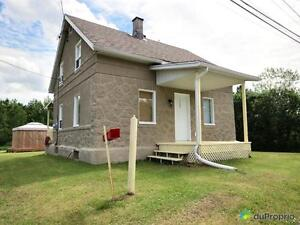 118 500$ - Maison 2 étages à vendre à Shawinigan
