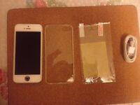 iphone 5, 32gb, white/silver, on vodafone & lebara, good workin, very small crack line,