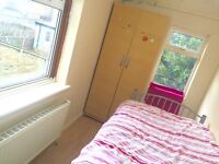 Nice single room to let for female/old age male .only £90 P.W. Including all bills