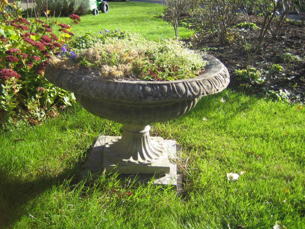 Large decorative garden planter | in Cambridge, Cambridgeshire | Gumtree