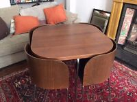 Space-saving dining table + chairs, retro style